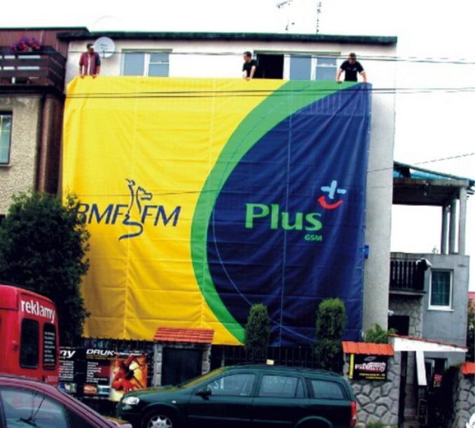 Wielkoformatowy baner reklamowy RMF