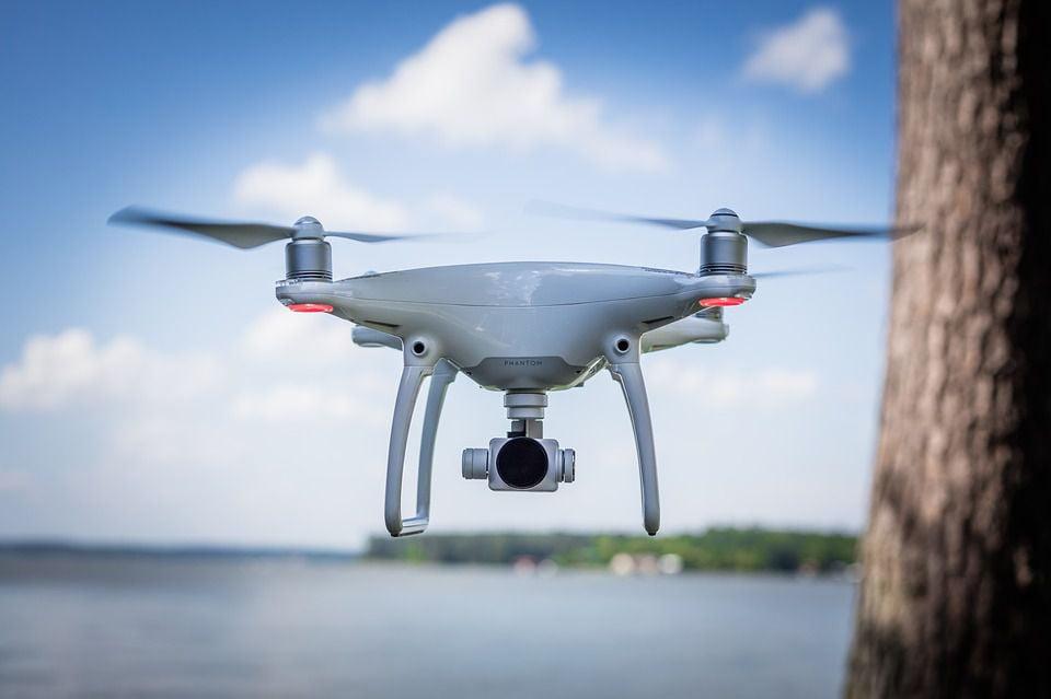 wynajem drona cennik - filmowanie dronem