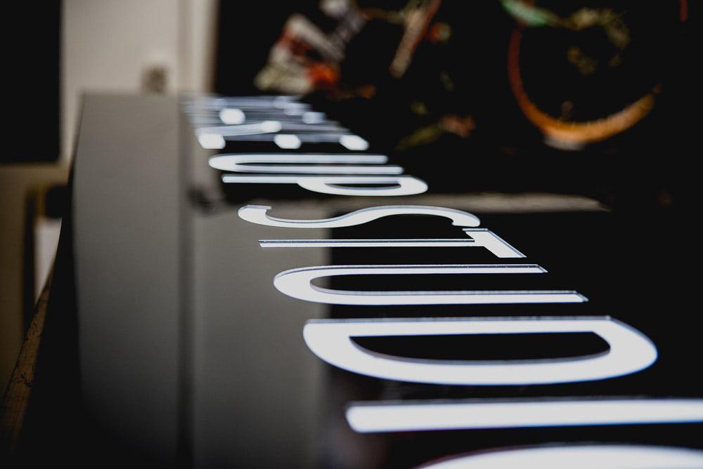 Kasetony reklamowe podświetlane diodami LED