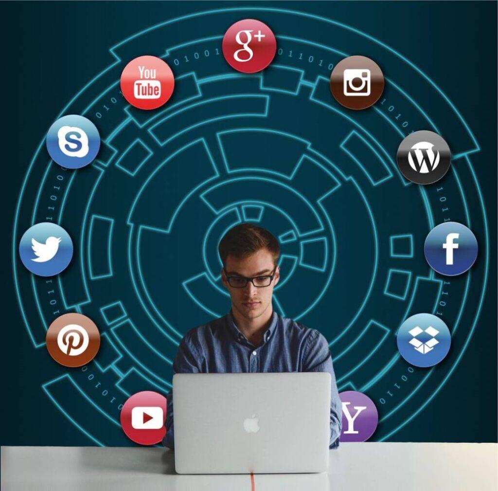 streaming usługa transmisji do social mediów
